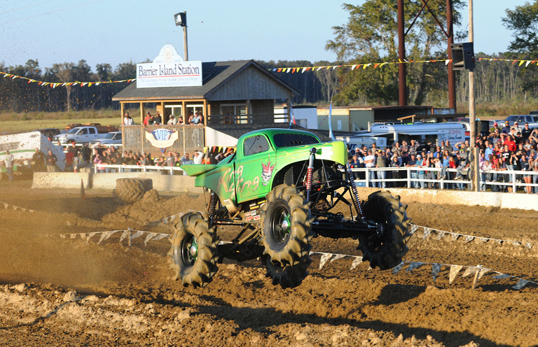 Monster truck in action at Jim Anderson's Motorsports Park. Photos courtesy of Traybo.