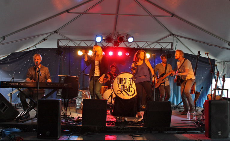 Headliner Delta Rae at 2012 Mustang Music Festival.