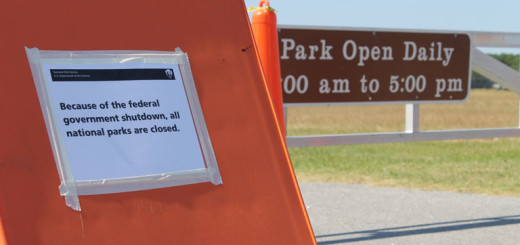 Closure sign at Wright Memorial Monument.