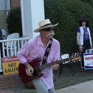 Mojo Collins rockin' out in front of the DCAC Gallery.